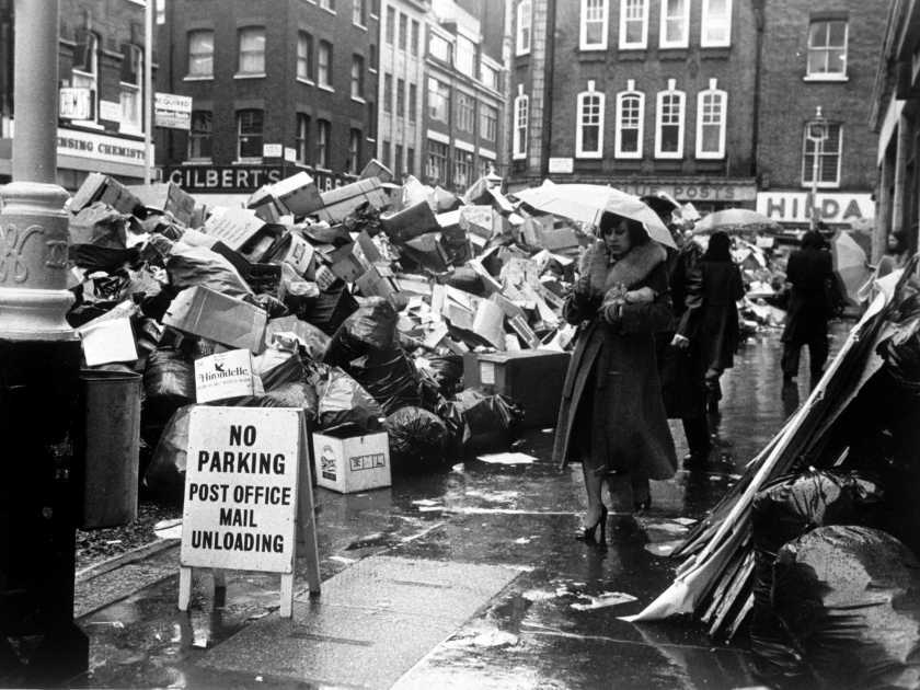 before-thatcher-came-to-power-the-uk-was-literally-covered-in-gigantic-piles-of-garbage